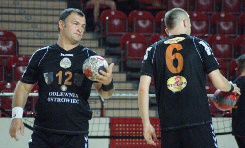 Piłkarze ręczni KSZO ogrywają I-ligowców w turnieju w Ostrowcu Św.