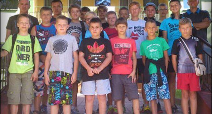 Młodzi szczypiorniści KSZO pozdrawiają z Beskidu