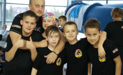 Pływacy KSZO na podium Małej Ligi