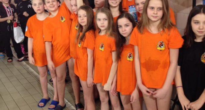Młodzi pływacy KSZO na podium w Pucharze kieleckiego MOSiRu