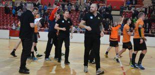 Zwycięski debiut Mariusza Jurasika w derbach województwa!