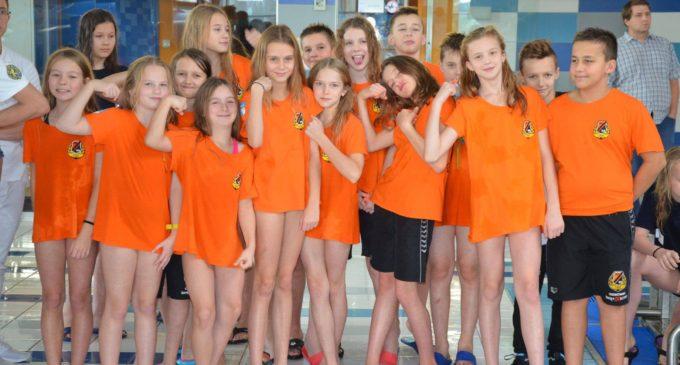 Pływacy KSZO wicemistrzem Świętokrzyskiej Małej Ligi