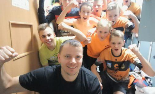 Młodzi Wojownicy wygrywają i zapraszają na turniej