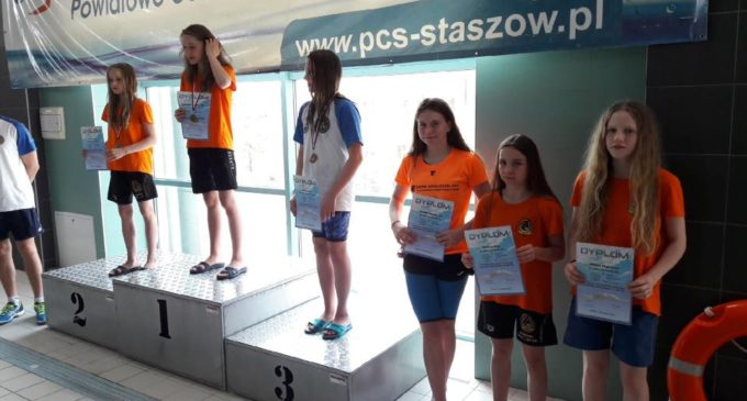 Grad medali dla pływaków KSZO w Staszowie!