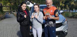 Dominika Kołton z medalem Młodzieżowych Mistrzostw Polski w boksie