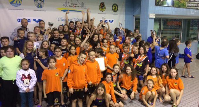 Mała Flota KSZO wygrywa Świętokrzyską Ligę Pływacką 2020!
